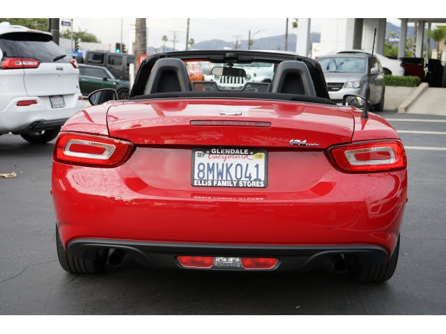 Pre-Owned 2017 FIAT 124 Spider Classica